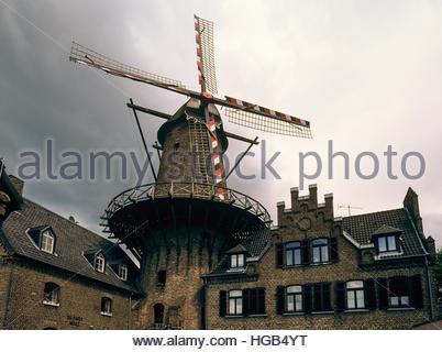 Kalkarer Mühle, Kalkar Mill, restaurant housed in a former grain mill in Kalkar, Niederrhein, NRW, Germany. - Stock Image