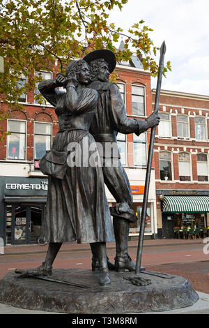 Statue of Kenau Simonsdochter Hasselaer and Baron Wigbolt Ripperda in Haarlem, the Netherlands. - Stock Image