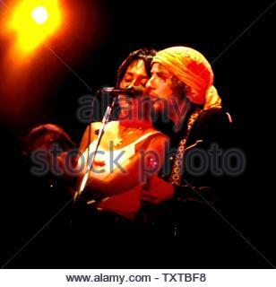 Joan Baez and Bob Dylan 1977 Credit: 348990_Globe Photos/MediaPunch - Stock Image