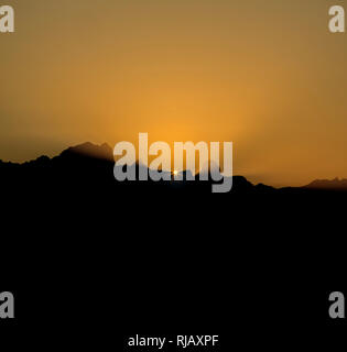 Morgenstimmung über dem Dachsteinmassiv vom Hochkönig, Salzburger Land, Österreich - Stock Image
