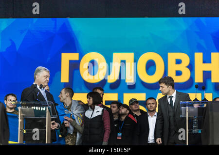 Kiev, Kiev, Ukraine. 19th Apr, 2019. Petro Poroshenko, left, and Volodymyr Zelenskiy look themself in the debate for the Presidency of Ukraine at the Olympic National Sports Stadium in Kiev. Credit: Celestino Arce Lavin/ZUMA Wire/Alamy Live News - Stock Image