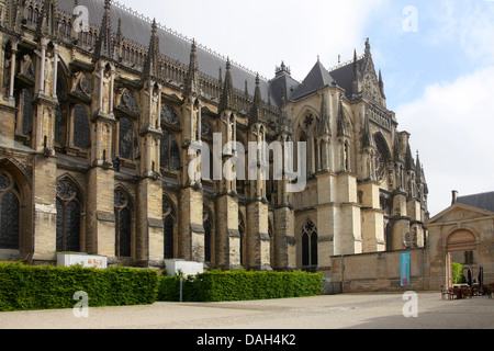 South Side of Reims Cathedral from the Palais du Tau, Reims, Marne, Champagne-Ardennes, France. - Stock Image