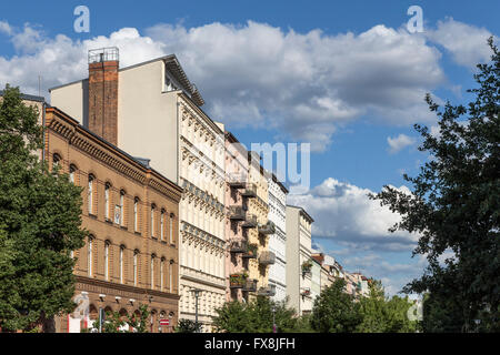 Oderberger Strasse, Fire Station, town houses, Clouds, Prenzlauer Berg, Berlin - Stock Image