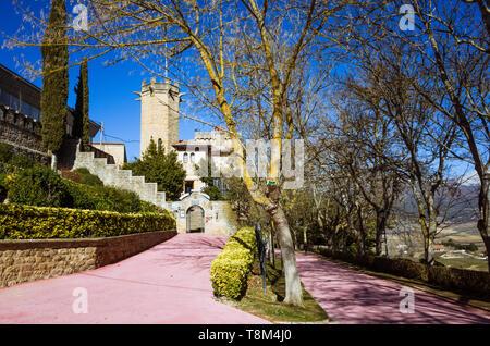 Laguardia, Álava province, Basque Country, Spain : Hotel Castillo El Collado-El Mirador at the Paseo del Collado promenade in the historic town of Lag - Stock Image