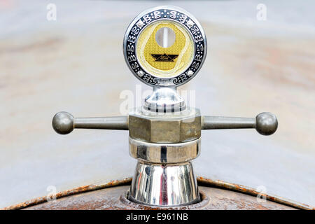 A Boyce Moto Meter radiator cap for a vintage Ford Model T. - Stock Image