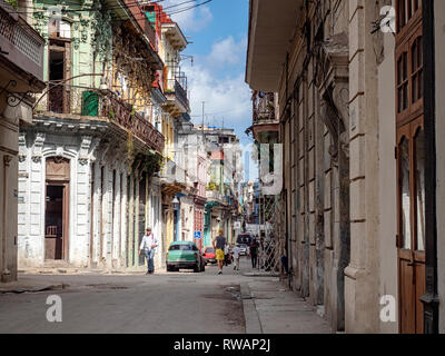 Side streets near Parque Central in the centre of Havana, capital of Cuba - Stock Image