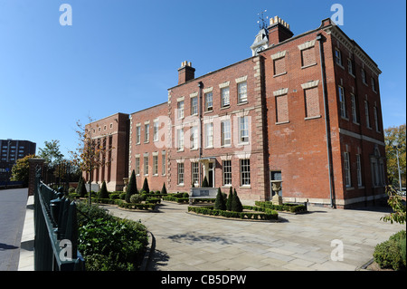The former Molineux Hotel now home to Wolverhampton City Archives England Uk - Stock Image