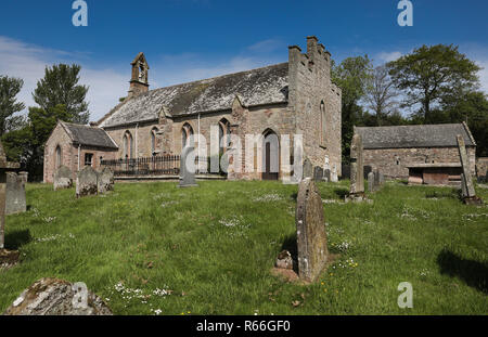 Foulden parish Kirk and tithe barn - Stock Image