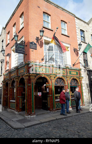 The Quays bar and restaurant temple bar Dublin Republic of Ireland Europe - Stock Image