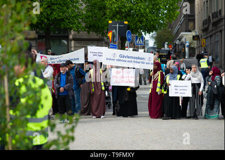 Stockholm, Sweden, May 18, 2019.  Demonstration for detained imams in Sweden.  In recent weeks, imams and Muslim leaders in Sweden have been taken in custody.  Three imams are now in custody: Abo Raad, imam of a mosque in Gävle, Hussein Al-Jibury, imam of a mosque in Umeå, and Fekri Hamad, imam of a mosque in Västerås. Raad's son is also being held. Abdel-Nasser el Nadi, chief executive of Vetenskapsskolan, is the fifth senior member of Sweden's Muslim community to be placed in custody in less than a month.    According to Swedish law, Swedish Security, Säpo, can deport anyone who is not a Swe - Stock Image