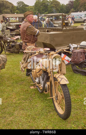 Royal Signals WW2 dispatch rider and motorcycle - Stock Image