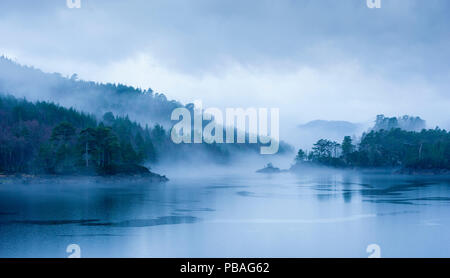 Loch Beinn a Meadhoin in the mist, Inverness, Scotland, December 2013. - Stock Image