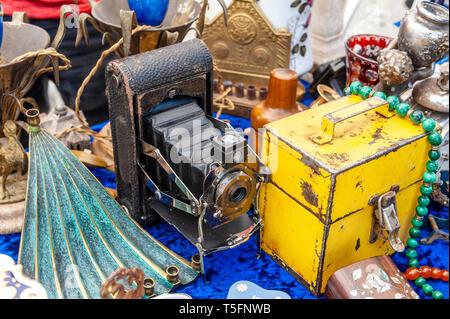 Israel, Tel Aviv-Yafo - 08 March 2019: Dizengoff Flea Market now on Giv'on street - antique medium format film camera - Stock Image