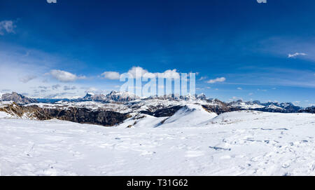 Panorama of the mountains of Cortina d'Ampezzo seen from the Marmolada on a beautiful sunny day, Dolomites, Italy - Stock Image