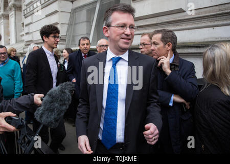 London, UK. 20th March, 2019. Jeremy Wright QC MP, Secretary of State for Digital, Culture, Media and Sport, arrives at 10 Downing Street for a meeting after Prime Minister Theresa May's announcement that she had written to EU Council President Donald Tusk to request a delay to Brexit until 30th June. Credit: Mark Kerrison/Alamy Live News - Stock Image