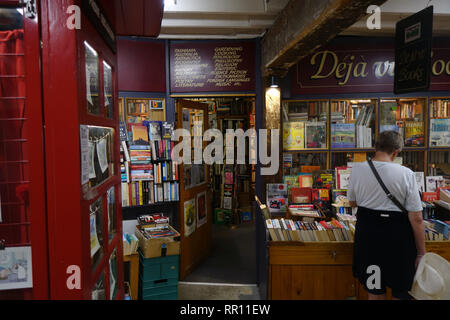 Deja Vu second-hand bookshop, Salamanca, Hobart, Tasmania, Australia. No PR or MR - Stock Image