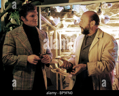 BRAD HARRIS & DONALD PLEASENCE THE MUTATIONS (1974) - Stock Image