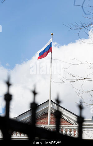 Seattle, Washington: The Russian flag flies above the Consulate General's residence in Seattle's Madison Park neighborhood on March 31, 2018. The United States has ordered the closure of the consulate in downtown Seattle by April 2. The Consulate General, Valery Timashov has until April 24 to vacate the residence in the historic Samuel Hyde House. Credit: Paul Christian Gordon/Alamy Live News - Stock Image