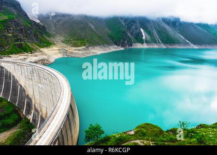 Dam barrier on Mooserboden reservoir near Kaprun, Austria - Stock Image