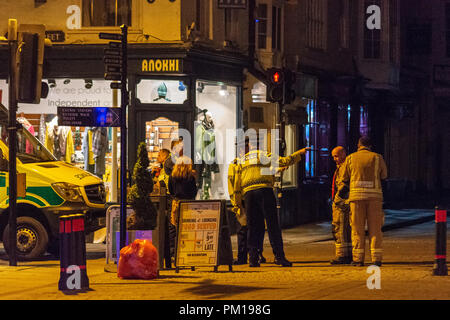 Salisbury Wiltshire, England, 16th September 2018  Police officers and other emergency services gathered behind the police cordon near Prezzos Salisbury in suspected repeat of Novichok poisoning  Credit Estelle Bowden/Alamy news Credit: Starsphinx/Alamy Live News - Stock Image