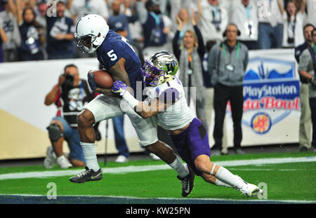Glendale, AZ, USA. 30th Dec, 2017. WR #5 DaeSean Hamilton of Penn State cateches a touchdown pass during the 1st - Stock Image