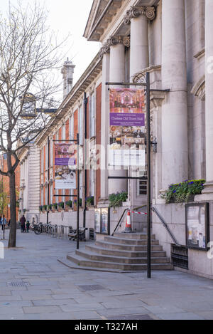 The exterior of Chelsea Old Town Hall in King's Road, Chelsea, London, England, UK - Stock Image