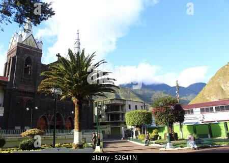 Main square in Banos, Ecuador - Stock Image