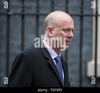 Downing Street, London, UK. 19 March 2019. Chris Grayling, Secretary of State for Transport leaves Downing Street after weekly cabinet meeting. Credit: Malcolm Park/Alamy Live News. - Stock Image