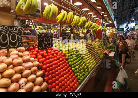 La Boqeria Market Fesh Fruits Vegetables Food Shopping Barcelona - Stock Image