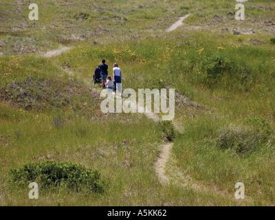 Family walking to the beach at Ocean Shores Washington State USA 2003 - Stock Image