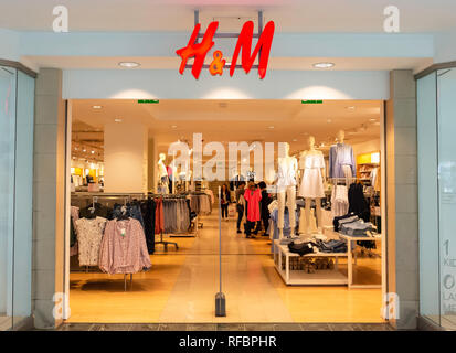 H&M department store in Whiteleys Centre, Queensway, Bayswater, City of Westminster, Greater London, England, United Kingdom - Stock Image