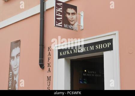 Kafka museum shop, Mala Strana, Prague - Stock Image