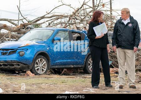 Opelika, Alabama, USA. 08th March, 2019. U.S President Donald Trump surveys damage and meets with residents March 8, 2019 in Beauregard, Alabama. The region was hit by a tornado on March 3rd killing 23 people. Credit: Planetpix/Alamy Live News - Stock Image