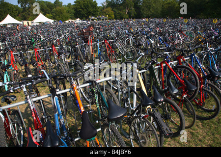 Rows and rows of bicycles parked outside the Austin City Limits music festival, Austin, TX, September 27, 2008 - Stock Image