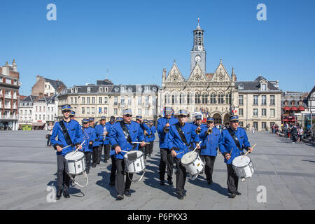 Drummers and band lead the Victory in Europe 8th May parade in Place de l'Hotel de Ville ijnSta Quentin, Aisne, France on 8th May 2918 - Stock Image