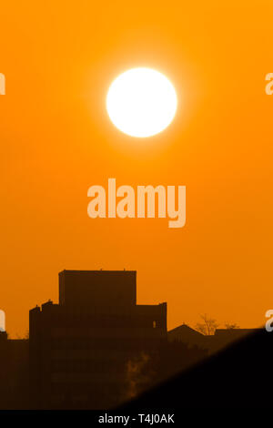 Aberystwyth Wales UK, Wednesday 17 April 2019. UK Weather: A golden sunrise on warm and sunny spring morning in Aberystwyth Wales, as the weather is headed on an improving track as the country looks forward to the Easter Bank Holiday weekend photo Credit: Keith Morris/Alamy Live News - Stock Image