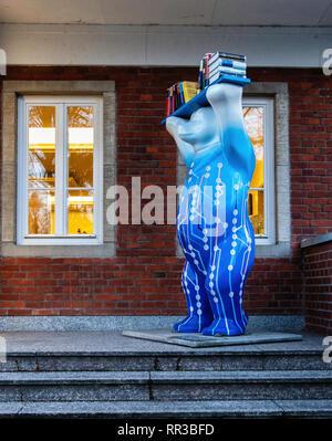 Buddy Bear with Books outside Springer Nature academic publishing company building, 3 Heidelberger Platz, Wilmersdorf-Berlin - Stock Image