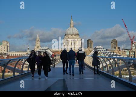 millenium bridge london - Stock Image