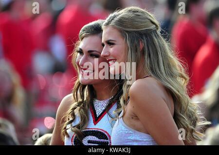 Pasadena, California, USA. 01st Jan, 2018. Georgia Cheerleaders during the 2018 Rose Bowl semi-final game between - Stock Image