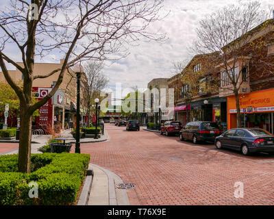 Marion Street, downtown Oak Park, Illinois. - Stock Image