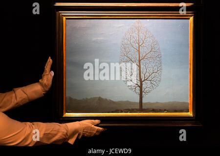 London, UK. 15 June 2017. La recherche de l'absolu by Rene Magritte. Auction house Sotheby's presents Landmarks - Stock Image