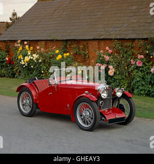 1933 MG J2 2 seat convertible sports tourer with Wolsely Straight 4 cylinder 850cc engine Country of origin United - Stock Image