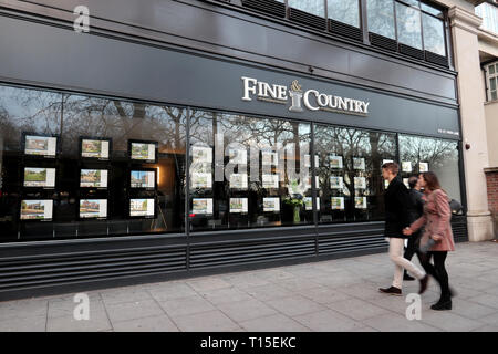 Fine & Country Estate agent on Park Lane, Mayfair, London, England, UK - Stock Image