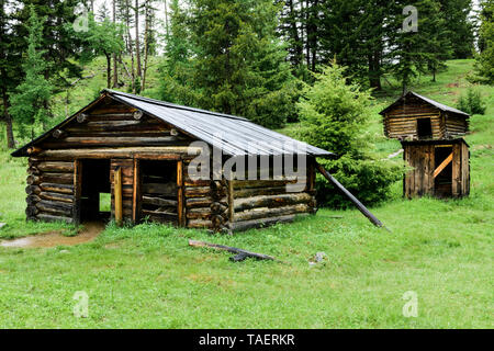 Old cabins in Garnet Ghost Town near Missoula, Montana, USA - Stock Image