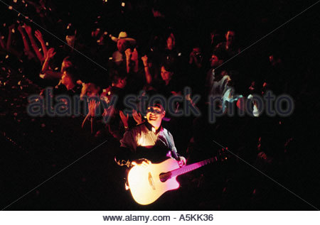 Garth Brooks in concert Seattle Washington USA 1998 - Stock Image