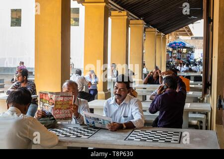 Sri Lanka, Colombo, Fort district, the 17th century Old Dutch hospital restored now houses shops, cafés and restaurants - Stock Image