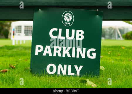 'Club Parking Only' sign at a lawn bowling club in Biddeford, Maine, USA. - Stock Image