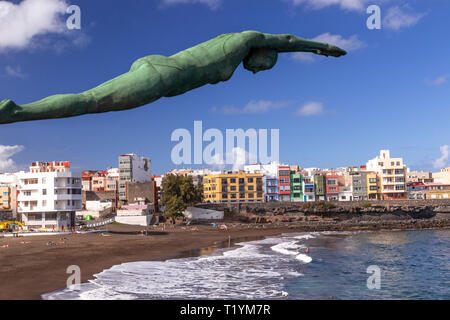 Statue of diving woman at La Garita, Gran Canaria, Canary Islands - Stock Image