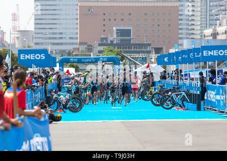 Yokohama, Japan. 18th May, 2019. 2019 ITU World Triathlon, World Paratriathlon Yokohama at Yamashita Park and Minato Mirai, Yokohama. (Photos by Michael Steinebach/AFLO) Credit: Aflo Co. Ltd./Alamy Live News - Stock Image