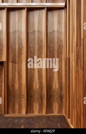 Detail of wood grain in Chamber music hall. Carmen Würth Forum, Künzelsau-Gaisbach, Germany. Architect: - Stock Image